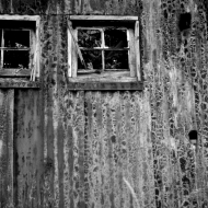 rusty-barn-bw